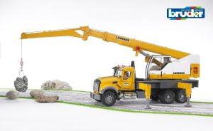 bruder-crane-truck
