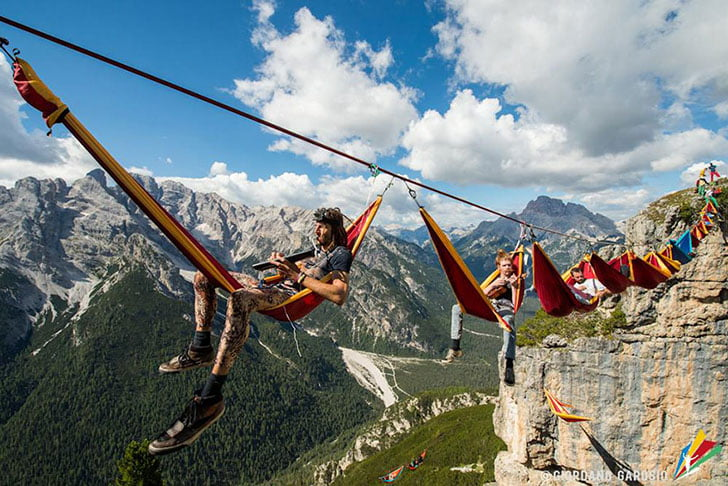 http://assets.inhabitat.com/wp-content/blogs.dir/1/files/2015/01/Highline-Meeting-Festival-Camping-On-Hammocks-1.jpg