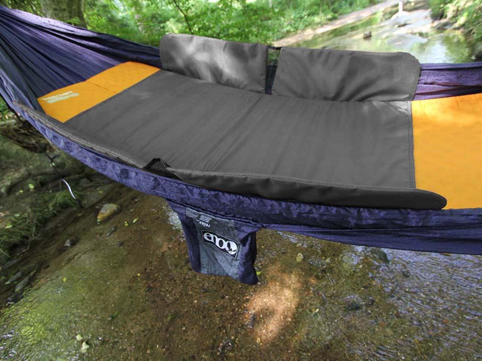 https   s media cache ak0 pinimg    the top 10 best camping hammocks  and gear  for beginner hammock      rh   cleverleverage