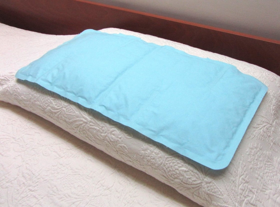 the gelu0027 o cool pushes the heat away from your head rather than cooling the area it is wider than most pillows allowing plenty of room