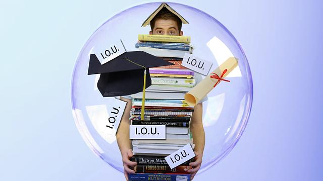 student-loan-debt-1160848_640.png